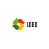 logo variopinto astratto delle foglie su fondo bianco Logotype di autunno Elemento dell'albero Icona trasversale insolita Fotografie Stock