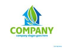 Logo vert de maison d'eco de nature Photographie stock libre de droits
