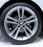 Logo von BMW auf Rädern Stockfotos