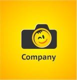 Logobeståndsdel med kameran Fotografering för Bildbyråer