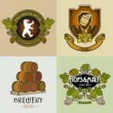 Logoer, etiketter och klistermärkear för PrintRetro hantverkbryggeri Arkivfoton