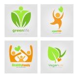 Logoer ställer in den vegetariska strikt vegetarian som organisk mat bantar Sund etikett för familjlivsstilvektor Detoxlogo Arkivfoto