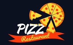 Logopizzadesign mit Pizzascheibenvektor auf schwarzem Hintergrund Stockbilder