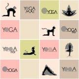 Logos et poses de yoga réglés Image libre de droits