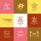 Logos und Ikonen stellten für Yogastudio oder Meditationsklasse ein Lizenzfreies Stockbild