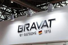 Logotecken av det Bravat företaget Bravat är en tysk producent av sanitaryware, badrummöblemang Arkivbilder