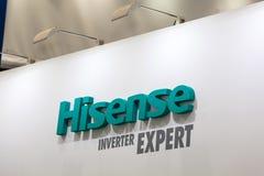 Logotecken av det Hisense företaget Hisense Co är kinesiskt multinationellt vitt gods och elektronikproducenten Royaltyfri Bild