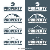 Logotipo abstrato da propriedade com construções e construção no esboço Foto de Stock