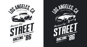 Logotipo aislado blanco y negro del vector del coche del automóvil descubierto del vintage libre illustration