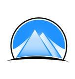 Logotipo azul del paisaje y de las montañas Imagen de archivo
