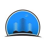 Logotipo azul del paisaje y de las montañas Fotos de archivo libres de regalías