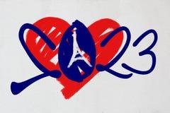 logotipo 2023 con el corazón y torre Eiffel en colores franceses