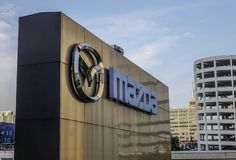 Logotipo da empresa automóvel de Mazda imagens de stock royalty free