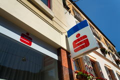 Logotipo da empresa banco AG do grupo de Erste nas matrizes que constroem o 15 de agosto de 2017 em Schladming, Áustria Fotos de Stock Royalty Free