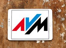 Logotipo da empresa de eletrônica de AVM foto de stock