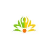 Logotipo da flor dos povos da meditação dos termas da beleza Fotos de Stock Royalty Free