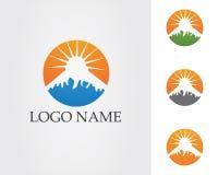 Logotipo da paisagem da natureza da montanha e molde dos ícones dos símbolos Imagens de Stock Royalty Free