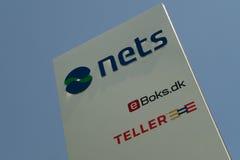 Logotipo das redes nas matrizes incorporadas Imagem de Stock