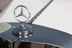 Logotipo de aço de Mercedes Benz Imagens de Stock Royalty Free