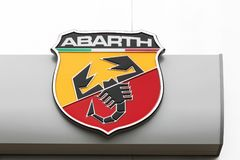Logotipo de Abarth en una pared Imágenes de archivo libres de regalías