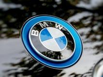 Logotipo de BMW en un coche eléctrico i1 Fotografía de archivo libre de regalías