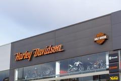 Logotipo de Harley Davidson em uma loja do velomotor do negócio imagem de stock royalty free
