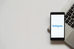 Logotipo de Instagram na tela do smartphone Foto de Stock Royalty Free