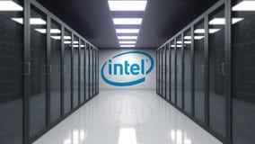 Logotipo de Intel Corporation en la pared del cuarto del servidor Representación editorial 3D libre illustration