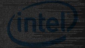 Logotipo de Intel Corporation hecho de código fuente en la pantalla de ordenador Representación editorial 3D stock de ilustración