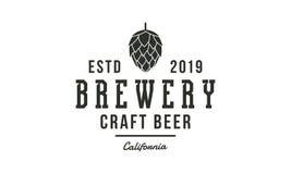 Logotipo de la cervecería, emblema Diseño del vintage Cartel para el pub, barra, taberna, cervecería, casa de la cerveza Vector ilustración del vector