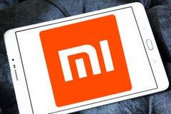 Logotipo de la compañía de electrónica de Xiaomi imagenes de archivo