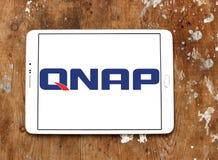 Logotipo de la compañía de los sistemas de QNAP Fotos de archivo