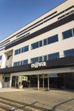 Logotipo de la compañía de la televisión CME de Nova en las jefaturas que construyen el 18 de enero de 2017 en Praga, República C Imágenes de archivo libres de regalías