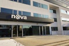 Logotipo de la compañía de la televisión CME de Nova en las jefaturas que construyen el 18 de enero de 2017 en Praga, República C Imagen de archivo