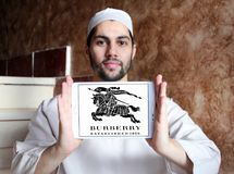 Logotipo de la marca de la moda de Burberry Imágenes de archivo libres de regalías