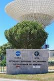 Logotipo de la NASA y de INTA en las comunicaciones de espacio profundo de Madrid Compl Fotografía de archivo