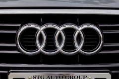 Logotipo de la parrilla de Audi fotografía de archivo