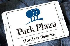 Logotipo de los hoteles y de los centros turísticos de la plaza del parque Fotos de archivo libres de regalías
