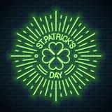 Logotipo de neón del día de Patricks Trébol del trébol de Patricks