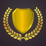 Logotipo de oro del escudo con la guirnalda del laurel Icono heráldico del vector del oro Concepto el guardar y de la seguridad S Fotos de archivo
