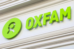 Logotipo de Oxfam en un Shopfront Foto de archivo libre de regalías