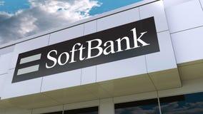 Logotipo de SoftBank en la fachada moderna del edificio Representación editorial 3D Fotografía de archivo