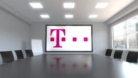 Logotipo de T-Mobile en la pantalla en una sala de reunión Representación editorial 3D Imagen de archivo libre de regalías