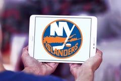 Logotipo del equipo de hockey del hielo de los New York Islanders imágenes de archivo libres de regalías