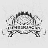 Logotipo del leñador, diseño de la camiseta con madera ilustrada, árboles, hachas y cinta Ilustración drenada mano
