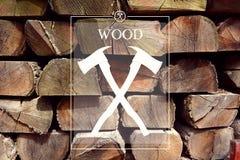 Logotipo del silvicultor de la artesanía en madera con el fondo Imágenes de archivo libres de regalías