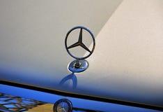 Logotipo do Benz de Mercedes Fotografia de Stock Royalty Free