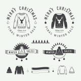 Logotipo do Feliz Natal do vintage ou das vendas do inverno, emblema, crachá Fotos de Stock Royalty Free