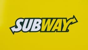 Logotipo do metro impresso em um Livro Branco Imagem de Stock