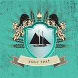 Logotipo do vintage do navio no protetor Fotos de Stock Royalty Free